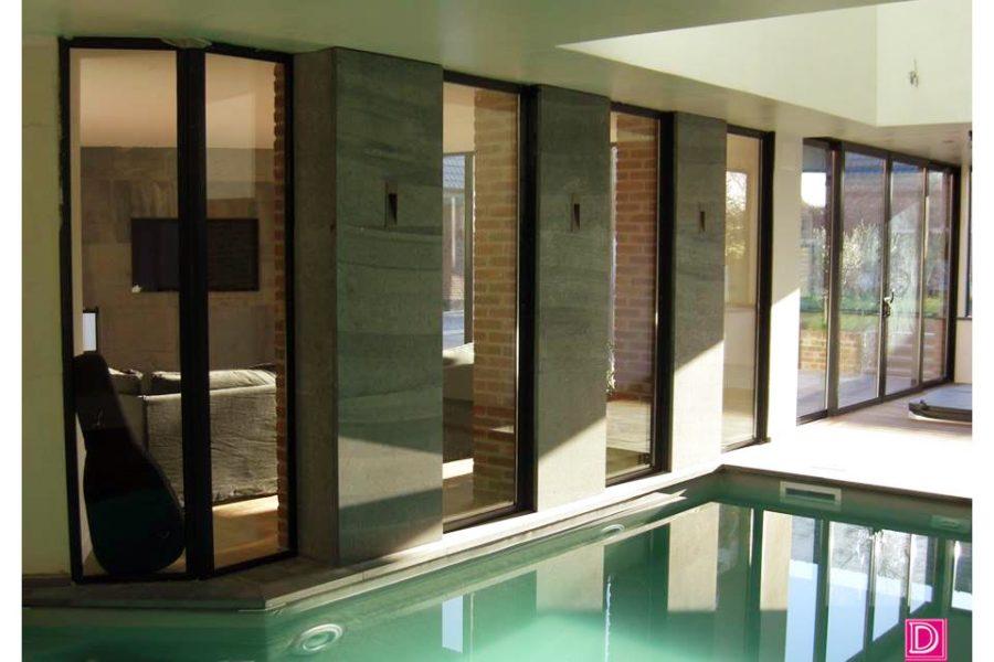 Margelles de piscine et façades en pierre de Soignies